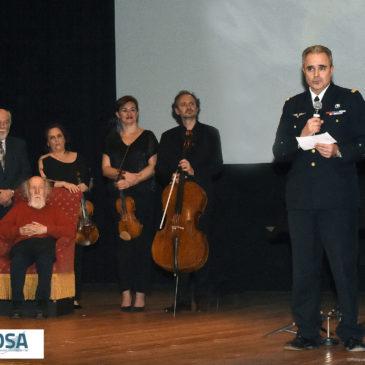 Remise de dons à la Fondation des Œuvres Sociales de l'Air (FOSA) lors de la soirée Etoiles et Musique sur la BA 721 de Rochefort